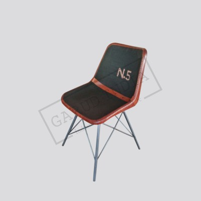 Industrial N5 leather chair